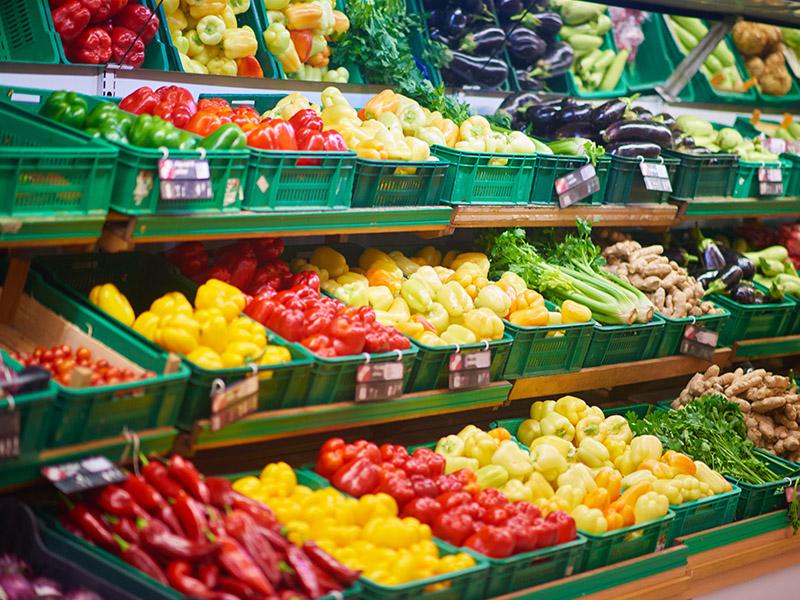 塑料周转筐应用于超市菜架