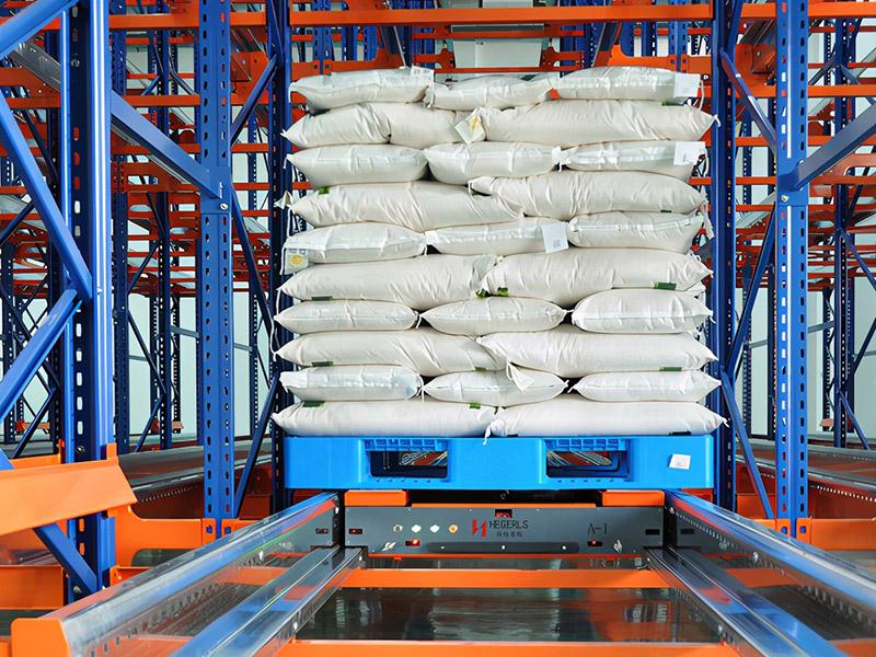 塑料托盘应用于工厂自动化仓储